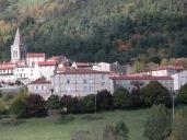 La Maison vue du hameau de Pouillas.