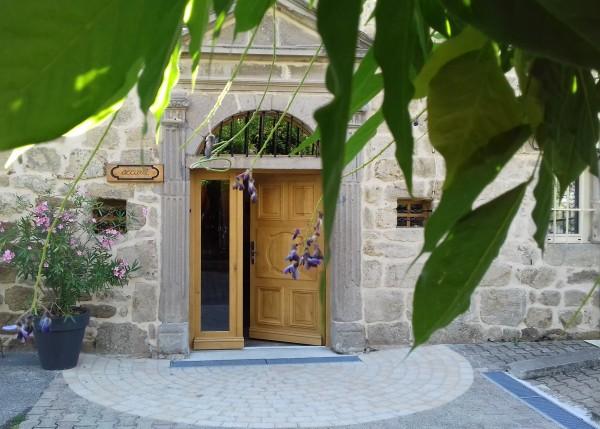 Maison St Joseph de Vanosc-Centre spirituel d'accueil et de formation ignatien